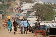 南スーダン・ジュバ市内の避難民キャンプ。自衛隊の撤収は決まったが、混乱が収まったわけではない=2016年12月、小泉大士撮影