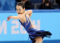 ソチ五輪フィギュアスケート女子フリーで力強い演技を見せる浅田真央選手=ロシア・ソチのアイスベルク・パレスで2014年2月20日、貝塚太一撮影