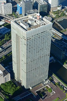 The headquarters of Toshiba Corp. is pictured from a Mainichi Shimbun helicopter in Tokyo's Minato Ward in this July 21, 2015 file photo. (Mainichi)