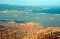 2000年12月の諫早湾干拓の全景=矢頭智剛撮影