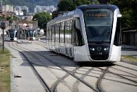 五輪開催に伴い敷設された路面電車。利用者は当初予定の10分の1にとどまる=ブラジル・リオデジャネイロで2017年2月5日午後4時17分、朴鐘珠撮影