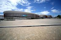 五輪の室内競技のために建てられたが、大会後は閉鎖されたままのアリーナ3棟=ブラジル・リオデジャネイロの五輪公園で2017年2月5日午後0時17分、朴鐘珠撮影