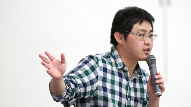 「誰にも尊厳が必要だ」と語る藤田さん=東京都千代田区で2017年3月30日、高橋勝視撮影