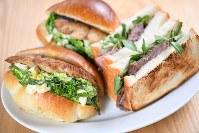 「サワラと菜の花のサンドイッチ」と「ローストビーフとクレソンのサンドイッチ」