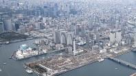 タワーマンションや商業施設でにぎわう東京湾岸エリア=東京都江東区で2017年4月10日、佐々木順一撮影