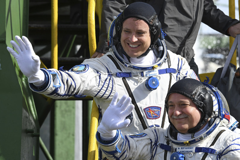 Russian crew heads to ISS