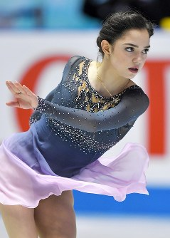 女子フリーを制したロシアのエフゲニア・メドベージェワの演技=東京・国立代々木競技場で2017年4月22日、手塚耕一郎撮影