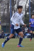 FC東京との練習試合に臨む久保=大谷津統一撮影