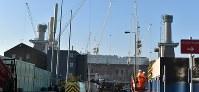 ロンドンのテムズ川南岸の再開発。商業エリアの中核となるビルには、EUではなく米の企業アップルの新社屋が入居する=三沢耕平撮影