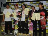 男子の上位入賞選手。年齢はいずれも10代半ばと若い=田原和宏撮影