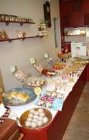 バラエティー豊かな焼き菓子が並ぶスイートルームカワシマ