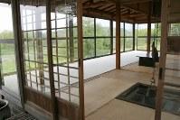 丸木夫妻の晩年のアトリエだった「流々庵」。休憩室として開放されている
