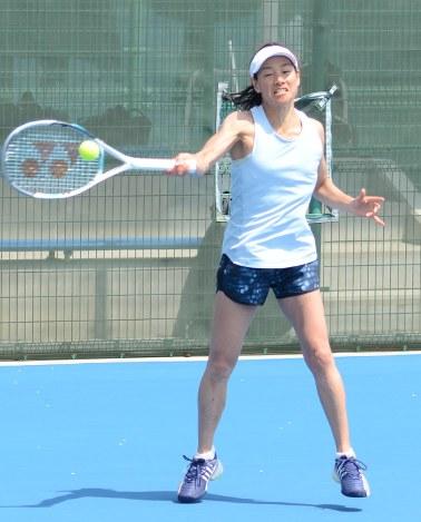 テニス:伊達公子、3日に公式戦...