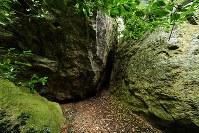 5号遺構=福岡県宗像市の沖ノ島で2016年9月30日、須賀川理撮影