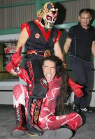 技をかける武丸選手=ドリームクリエイター提供