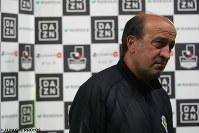 ロティーナ監督は、ここ数年J2下位に低迷する東京VをJ1昇格争いのできるクラブへと引き上げた[写真]=J.LEAGUE PHOTOS