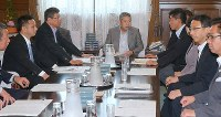 国会内で開かれた衆院議院運営委員会の理事会=2017年5月30日午前11時1分、長谷川直亮撮影