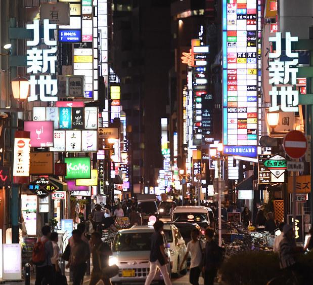 大阪・北新地の歌:北の新地には大人の歌が似合う~ 美声ママさんら ...