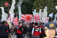在日コリアンなどの排斥などを訴えるヘイトスピーチデモ=東京都港区で2015年10月25日、後藤由耶撮影