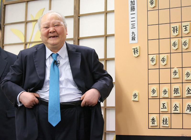 ストーリー:引退見据える天才棋...