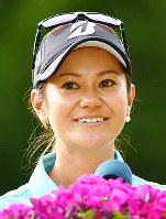 表彰式後、目に涙をためる宮里藍=神戸市北区の六甲国際ゴルフ倶楽部で2017年6月11日、猪飼健史撮影