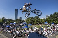 Japan's top freestyle BMX athlete Rimu Nakamura performs at an event. (Photo courtesy of First Track Inc.)