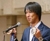 講演するスキージャンプ五輪メダリストの葛西紀明さん=大阪市北区で2017年06月12日、菅知美撮影