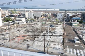 糸魚川大火半年:人口減不安、住...