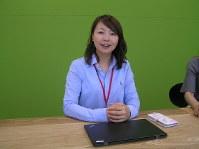 インタビューに答えるトラストバンクの須永珠代氏=東京都目黒区の同社で2017年5月24日、高山純二撮影