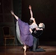 ボストン・バレエ公演「オネーギン」より、倉永美沙(左)のタチヤーナ=写真家Rosalie O'Connor撮影