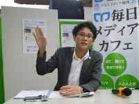 B型肝炎給付金制度を説明する松澤浩幸弁護士=毎日メディアカフェで
