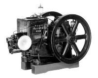 ヤンマーが世界で初めて実用化した小型ディーゼルエンジン=同社提供