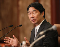 Ex-education vice minister Kihei Maekawa speaks during a news conference in Tokyo's Chiyoda Ward, on June 23, 2017. (Mainichi)