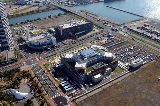 2014年に福岡市中央区から同東区に移転した市立新こども病院=福岡市東区香椎照葉