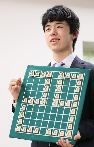 将棋:29連勝藤井四段 学校でも...