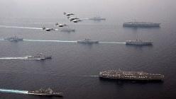 日本海で共同訓練を実施した米軍と自衛隊=2017年6月1日(自衛隊提供)