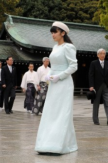 昭憲皇太后百年祭で、明治神宮を参拝された眞子さま=2014年4月18日、徳野仁子撮影