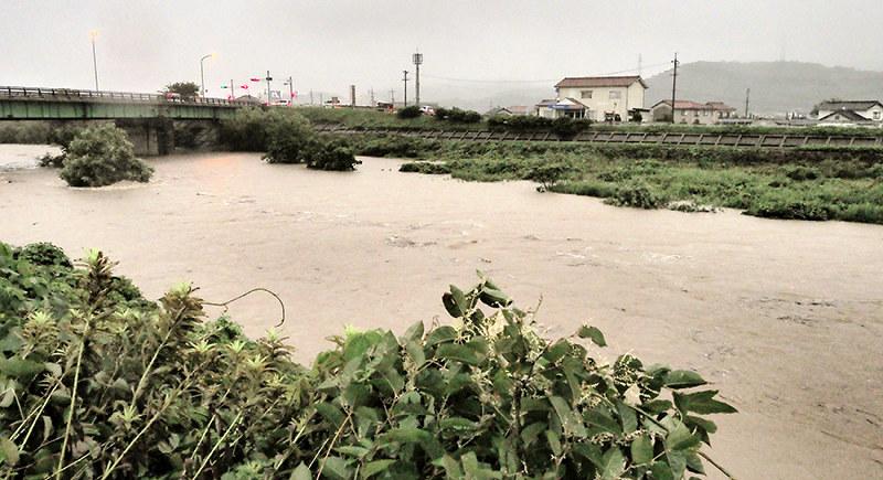 島根大雨:早朝警報、募る不安 ...
