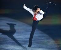 演技を披露するネーサン・チェン=横浜市港北区の新横浜スケートセンターで2017年7月7日、手塚耕一郎撮影