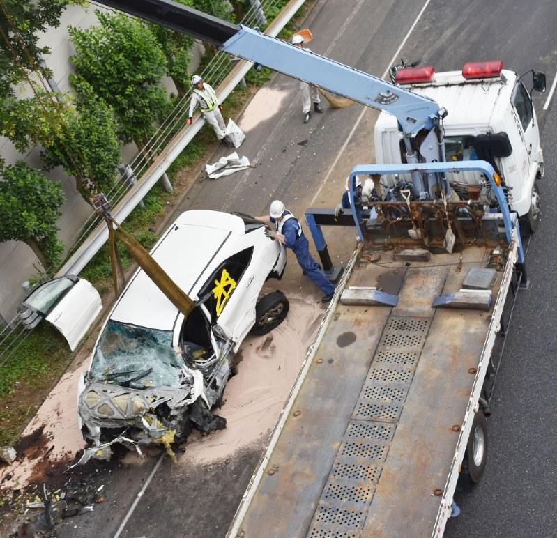 乗用車2台衝突 男性3人死亡、男児ら5人重軽傷関連記事アクセスランキング編集部のオススメ記事