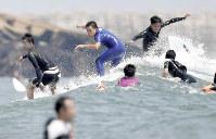 一宮町は週末には多くのサーファーが訪れる=竹内紀臣撮影