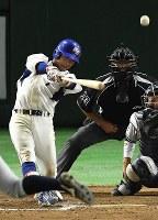 【東京都(NTT東日本)―さいたま市(日本通運)】七回表東京都2死一、二塁、下川が勝ち越しの3点本塁打を放つ=東京ドームで2017年7月25日、渡部直樹撮影