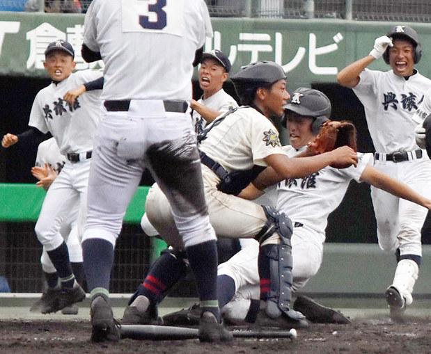 第99回全国高校野球:岡山大会 興譲館がサヨナラ おかやま山陽も快勝 ...