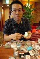 「最近はマッチを置く店も少なくなっている」と話す村田龍一さん。これまで1200軒以上の喫茶店を訪れたが、マッチ箱を置いているのは3軒に1軒程度だという