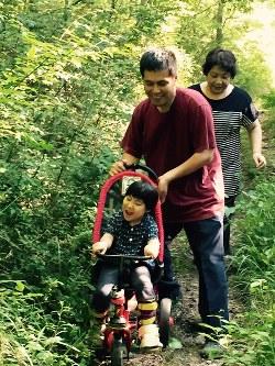 高山悠太さん(6) 「三輪車が大好き」=母の江理子さん提供