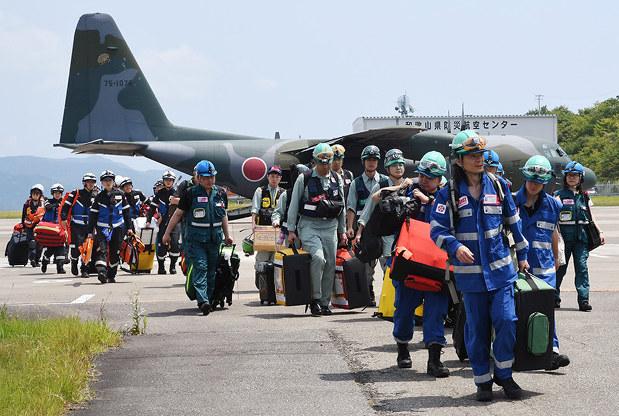 南海地震訓練:空、陸から続々集結 DMATら1000人、空港など ...
