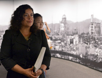 Admirable Obamas Half Sister Visits Hiroshima Reflects On His Download Free Architecture Designs Scobabritishbridgeorg