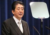 記者会見で話す安倍晋三首相=首相官邸で2017年8月3日午後6時3分、宮武祐希撮影