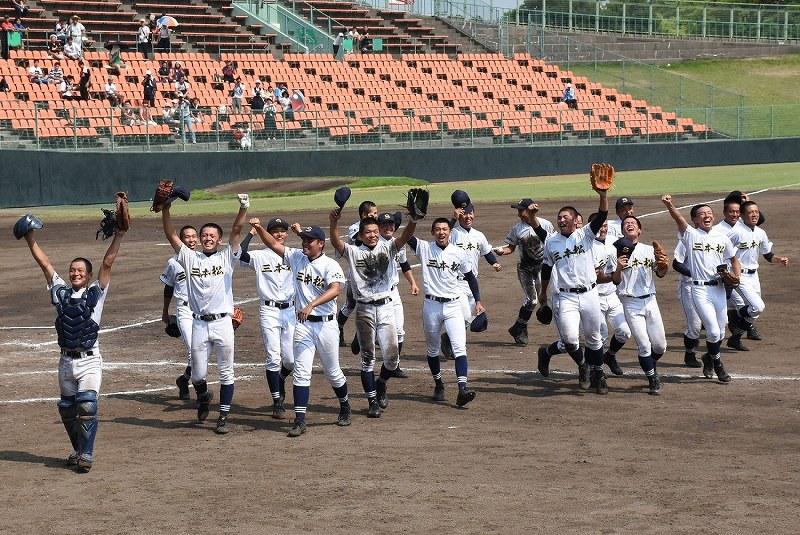 夏の高校野球:全49校 代表決定...
