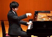 昨年の全国大会ピアノ部門高校の部で1位に輝いた桂田康紀さん